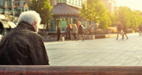 Pensioni. Cambia quota 100: tre mesi in più per lasciare il lavoro